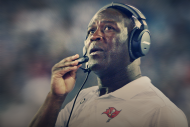 Buzz: Lovie Smith Not on Hot Seat, 'Absurd' Bucs C…