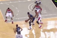 Tyreke Evans Gets Away with Ridiculous Travel in P…