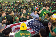 Oregon Students Play Beer Pong in the Stands Durin…
