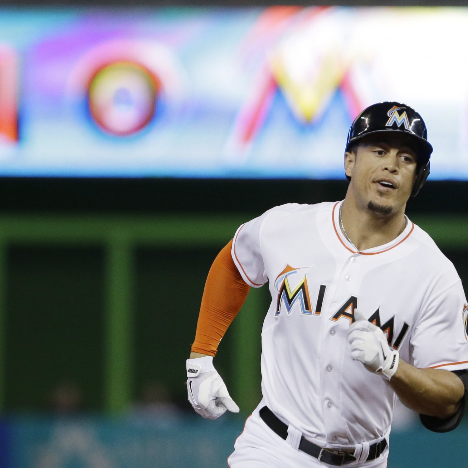 Giancarlo Stanton Of Miami Marlins Says He S Recovering: Giancarlo Stanton Taking Big Bucks, Bigger Risk With