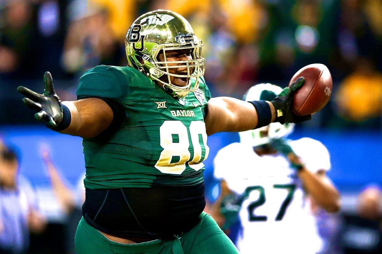 Baylors 410-Pound OL LaQuan McGowan Catches Pass in