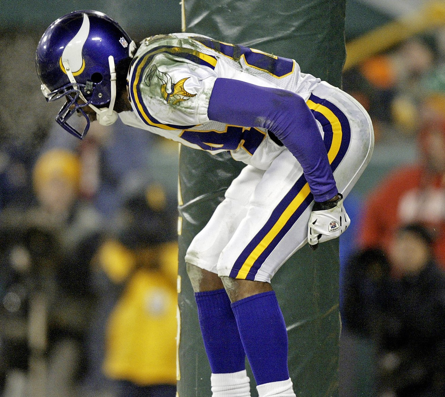 Mooning Over New Missoni: We Remember: 10th Anniversary Of Randy Moss 'Mooning