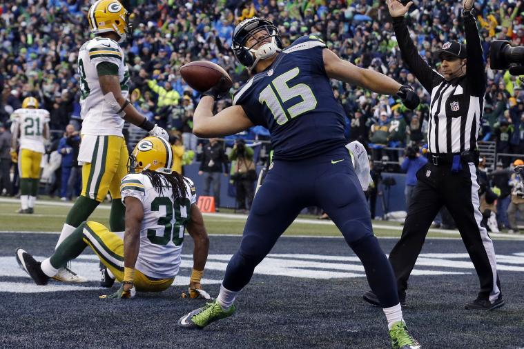 Seahawks Fan Turned Down $20K for GW TD Ball, Giving It to Jermaine Kearse