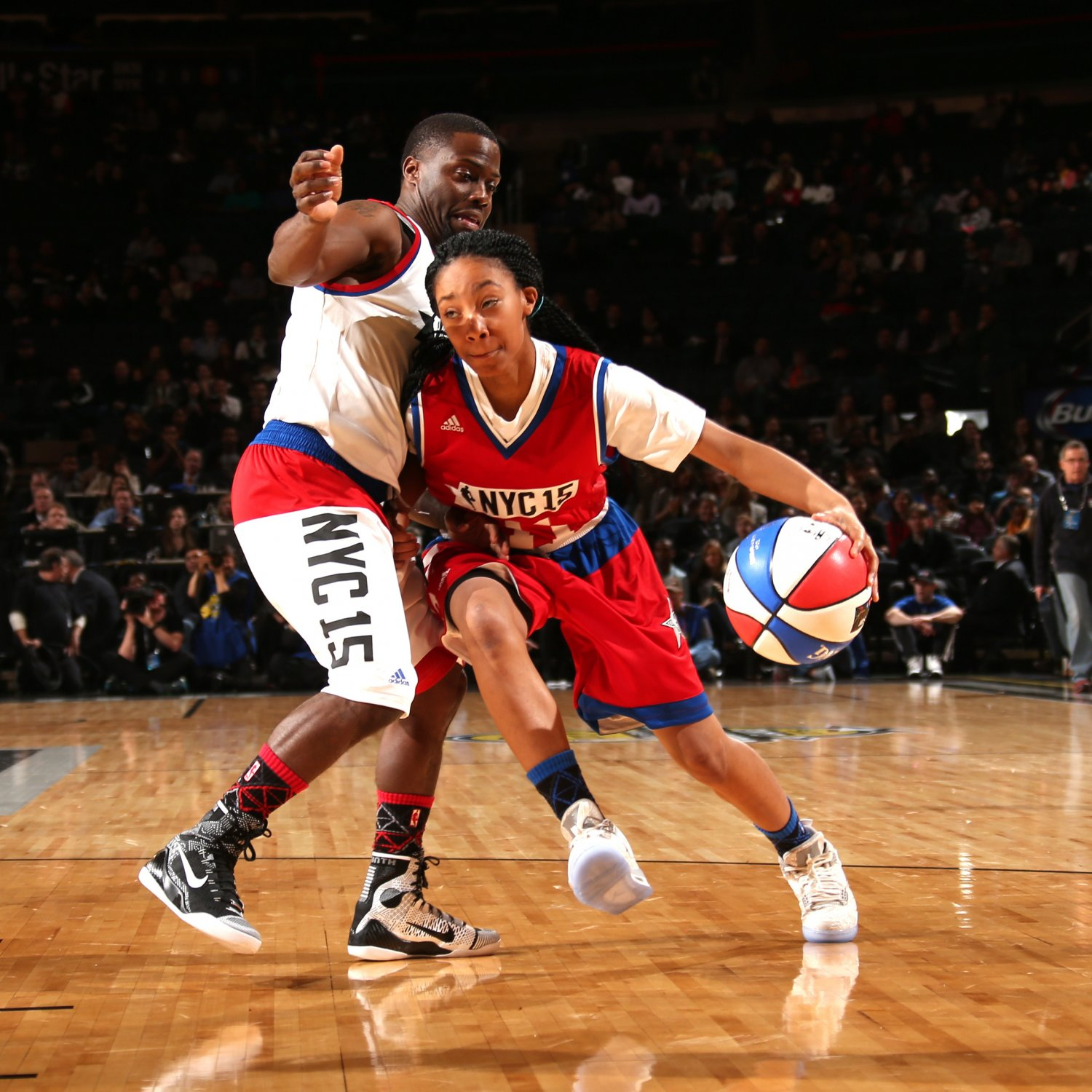 13-year-old Mo'ne Davis schools Kevin Hart at NBA All-Star ...