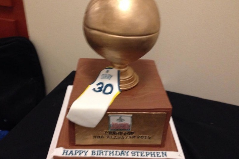 Stephen Curry Gets Impressive Cake For 27th Birthday