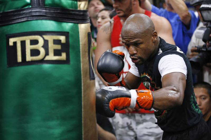 mayweather vs pacquiao analyzing each fighter s strategy for