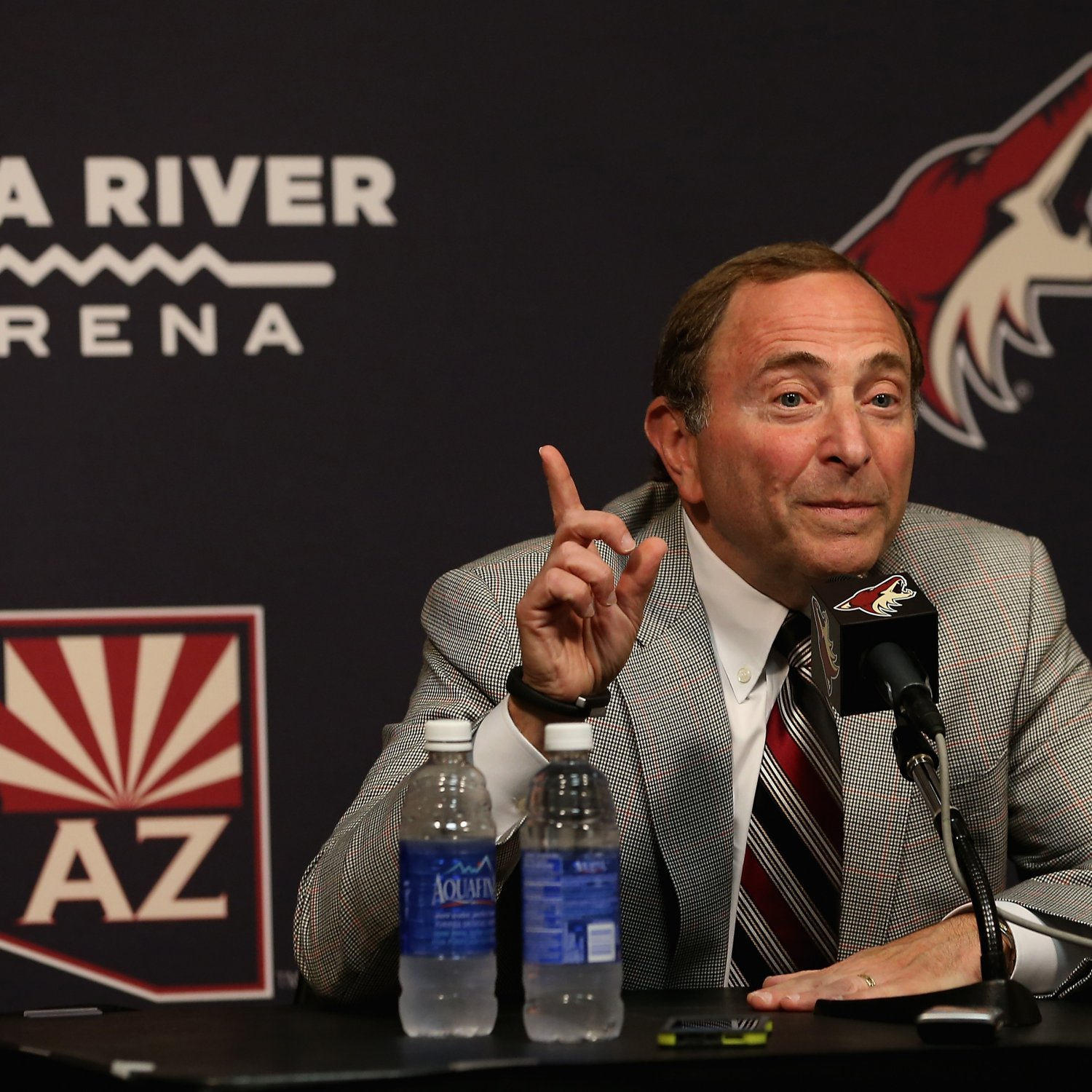 Gary Bettman Denies Report Arizona Coyotes Will Move to Las Vegas - Bleacher Report