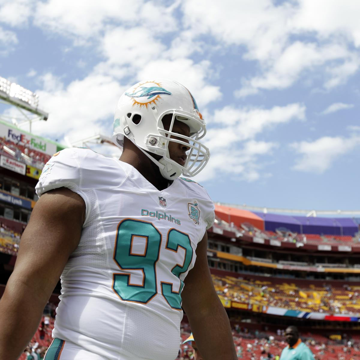 The Raiders Can And Should Sign Ndamukong Suh: Ndamukong Suh Puts Contract To Good Use, Buys Recliners