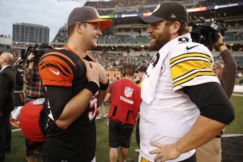 Cincinnati Bengals Quarterback Aj Mccarron Left And Pittsburgh Steelers Quarterback Ben Roethlisberger Right