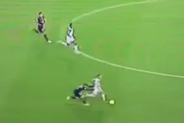 PSG's Marco Verratti Commits a Hilarious Foul Breaking Up a Counter-Attack