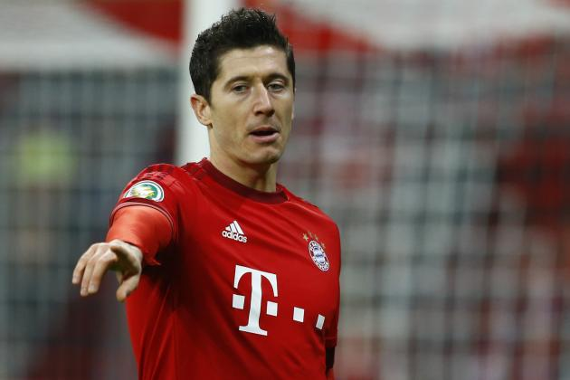 Chelsea Transfer News: Latest Robert Lewandowski and Carlos Bacca Rumours