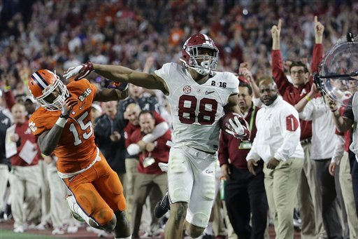 O.J. Howard Wins 2016 College Football National Championship Offensive MVP