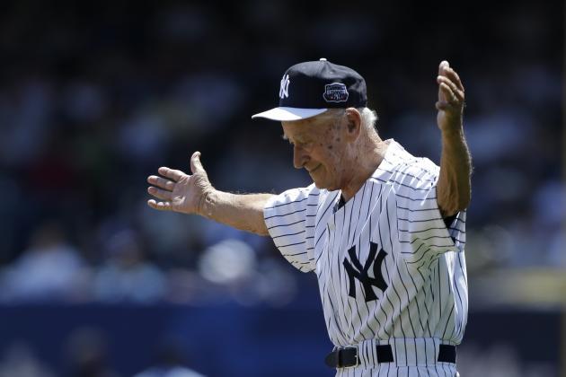 Luis Arroyo, Former Yankees Pitcher, Dies at Age 88
