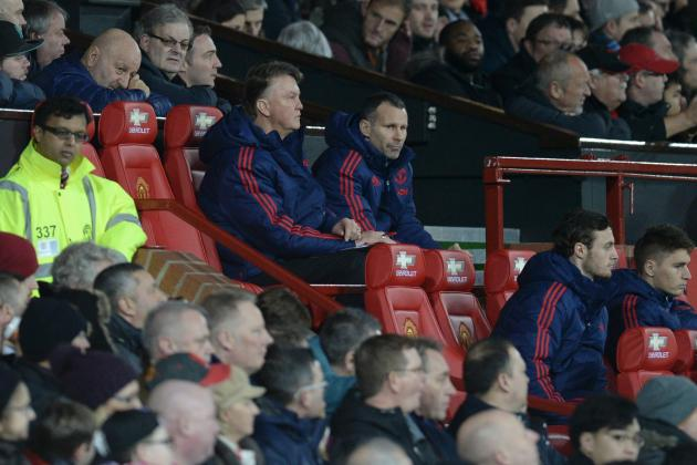Louis van Gaal Shows No Signs of Changing Approach in Spite of Fans' Reaction