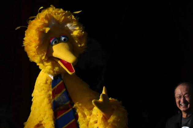 'Sesame Street' Shades Patriots, Airs Episode Where 'Inflate' Is Word of the Day