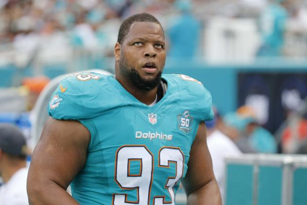 Ndamukong Suh, Dolphins Agree to Restructured Contract