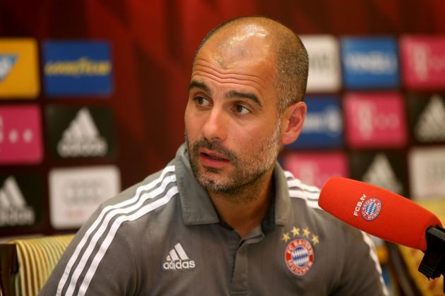 Pep Guardiola Says He Is Not Distracted at Bayern, Can Multitask 'Like a Woman'