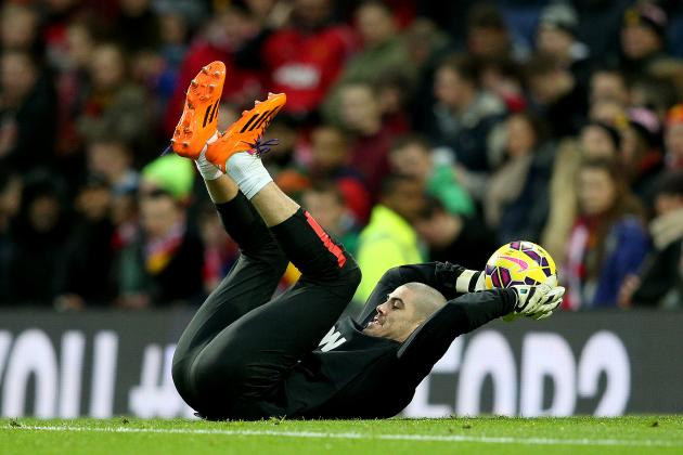 Victor Valdes Is Charged €100 Every Time He Gives Away His Standard Liege Kit