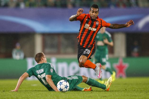 Liverpool Transfer News: Alex Teixeira Failure Discussed by Willian, Top Rumours