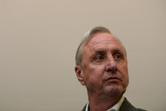 Johan Cruyff Hits out at Critics of Lionel Messi, Luis Suarez Penalty