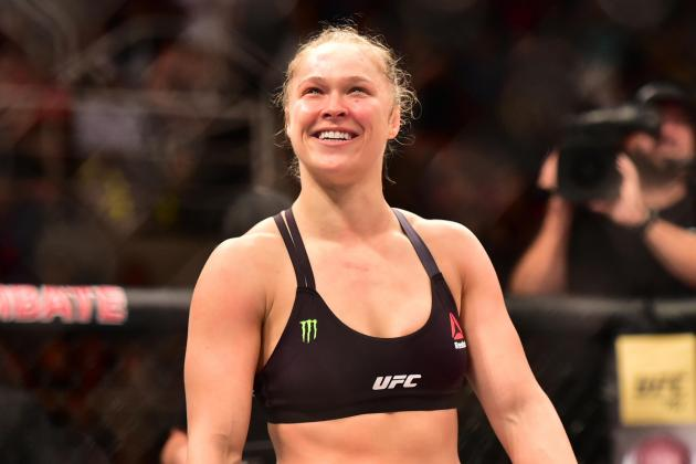 Ronda Rousey Explains How Amusing Argument at Hooters Led to Free Wings