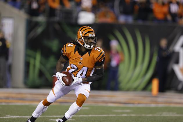 Adam Jones Reportedly Re-Signs with Bengals
