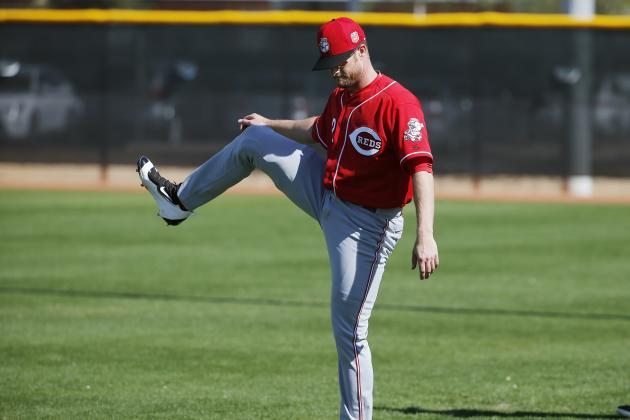 Zack Cozart Injury: Updates on Reds Shortstop's Recovery from Knee Surgery