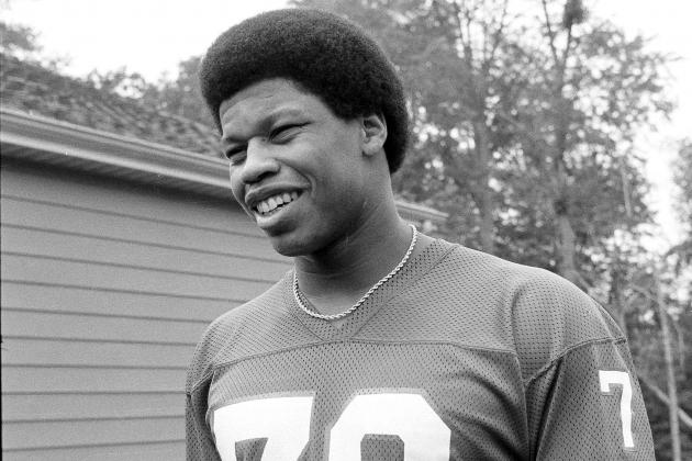 Gary Jeter, Former Giants and USC Star, Dies at Age 61