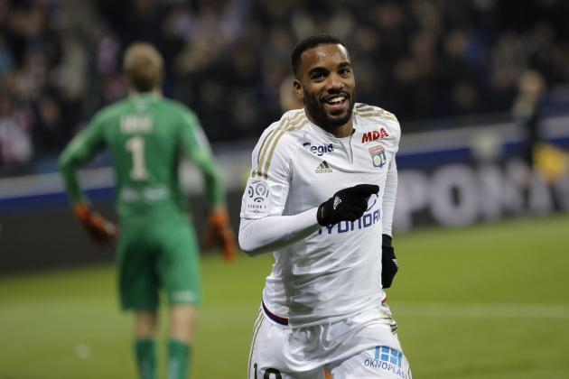 Alexandre Lacazette Transfer Rumours: Latest News, Speculation on Lyon Forward