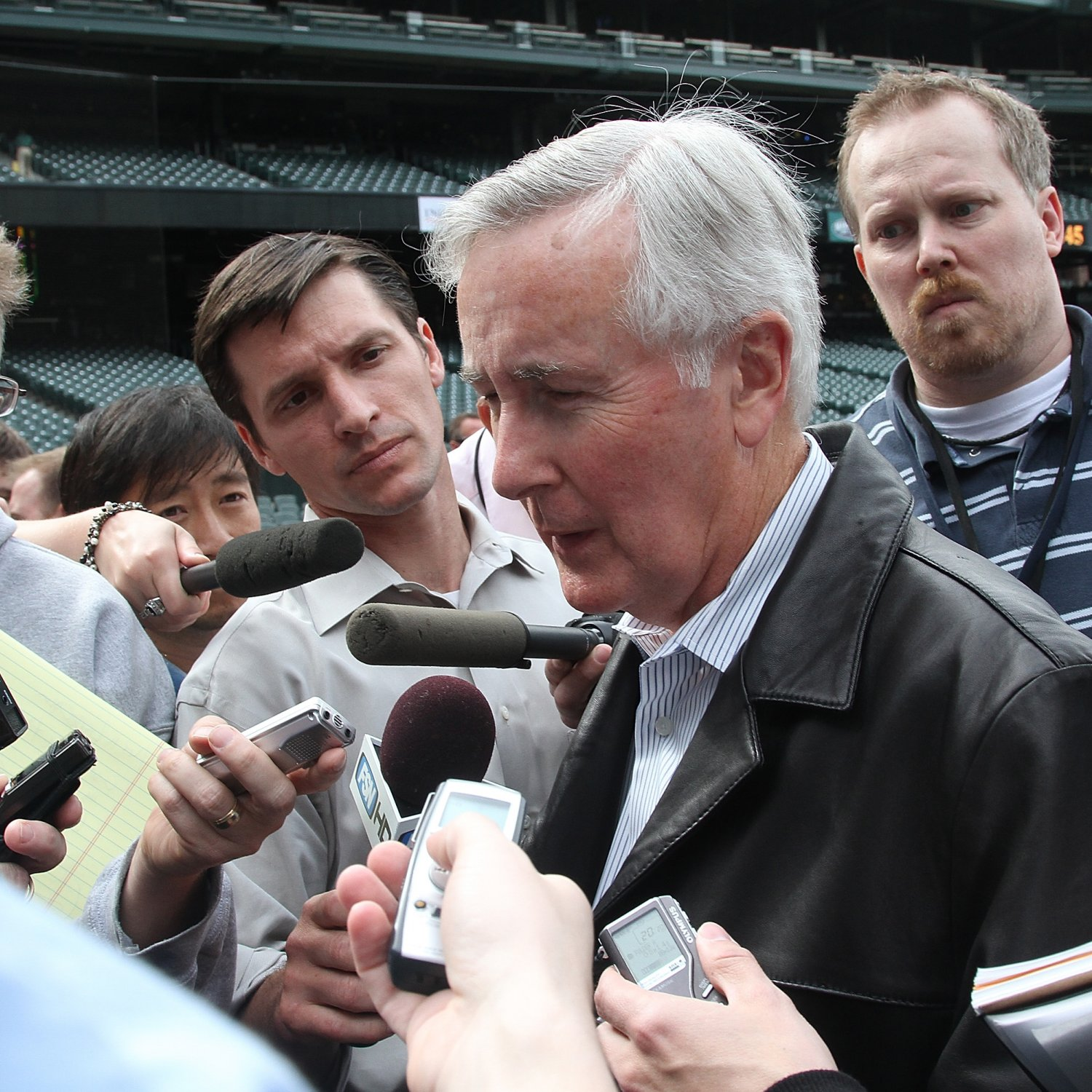 Lincoln Seattle: Howard Lincoln, Mariners Owner, Retires: Latest Comments
