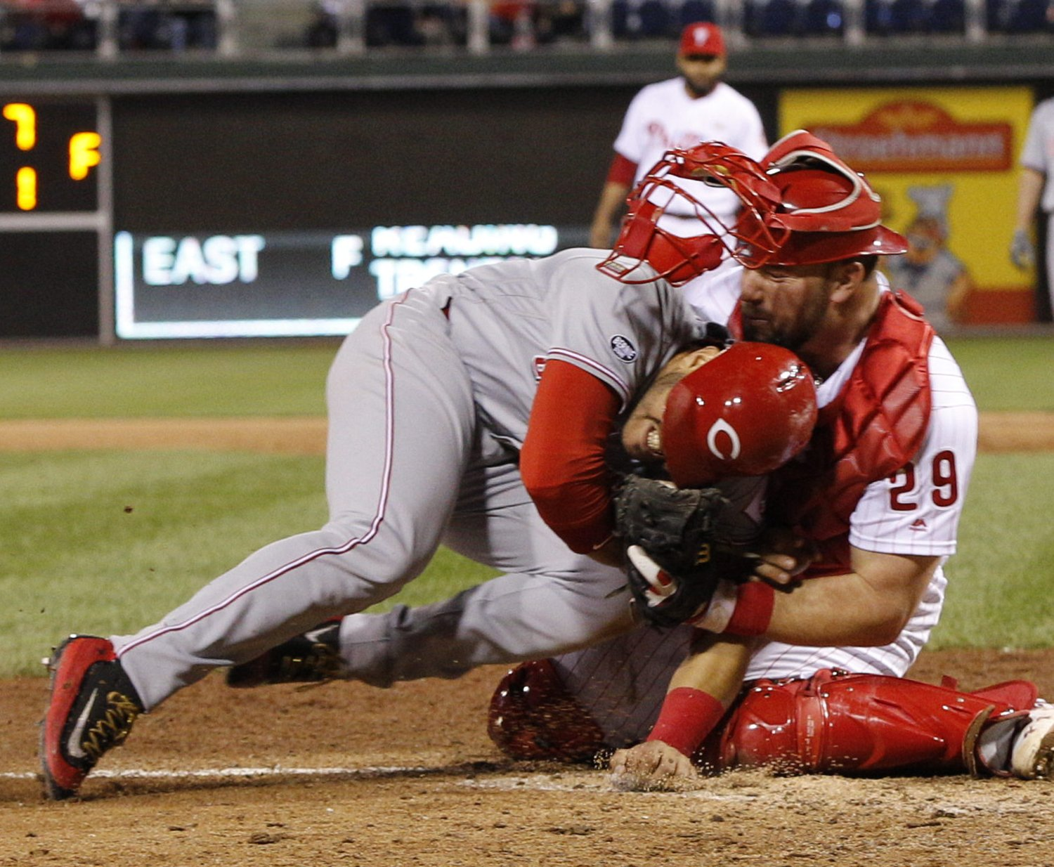 Phillies' Cameron Rupp Withstands Home Plate Collision to Seal Win over Reds | Bleacher Report
