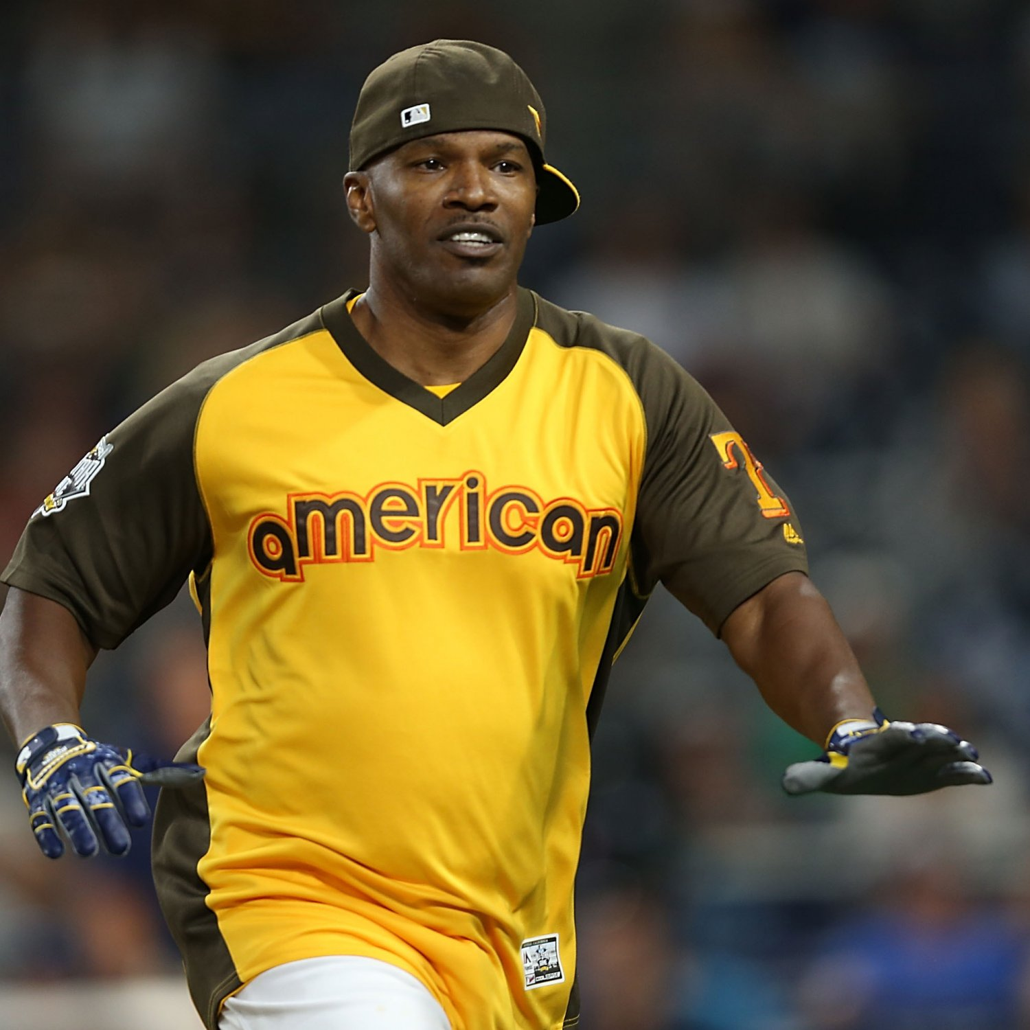 MLB Celebrity Softball Game 2017: Home Runs Fly as the NL ...