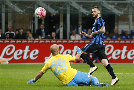 Arsenal Transfer News: Latest on Marcelo Brozovic and Yacine Brahimi Rumours