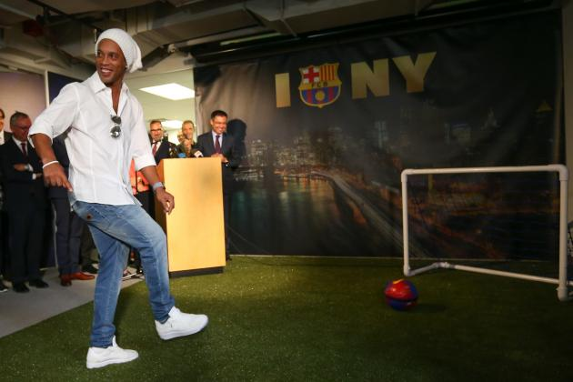 Former Brazil And Barcelona Star Ronaldinho Believes That Neymar Will One Day Be As Good Camp Nou Team Mate Lionel Messi But Said His Compatriot Is