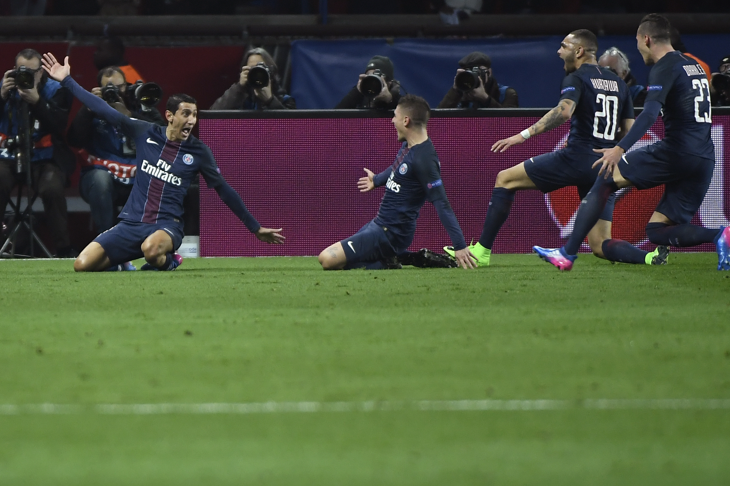 psg vs barcelona score and reaction from 2017 champions league round of 16 bleacher report. Black Bedroom Furniture Sets. Home Design Ideas