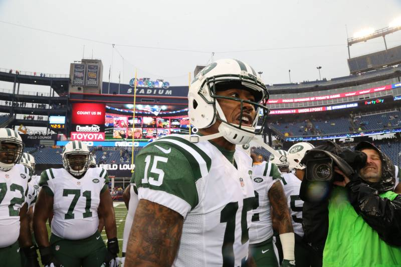 FOXBORO, MA - DECEMBER 24: Wide Receiver Brandon Marshall #15 of the New York Jets fires up his teammates before the game against the New England Patriots at Gillette Stadium on December 24, 2016 in Foxboro, Massachusetts. (Photo by Al Pereira/Getty Images)