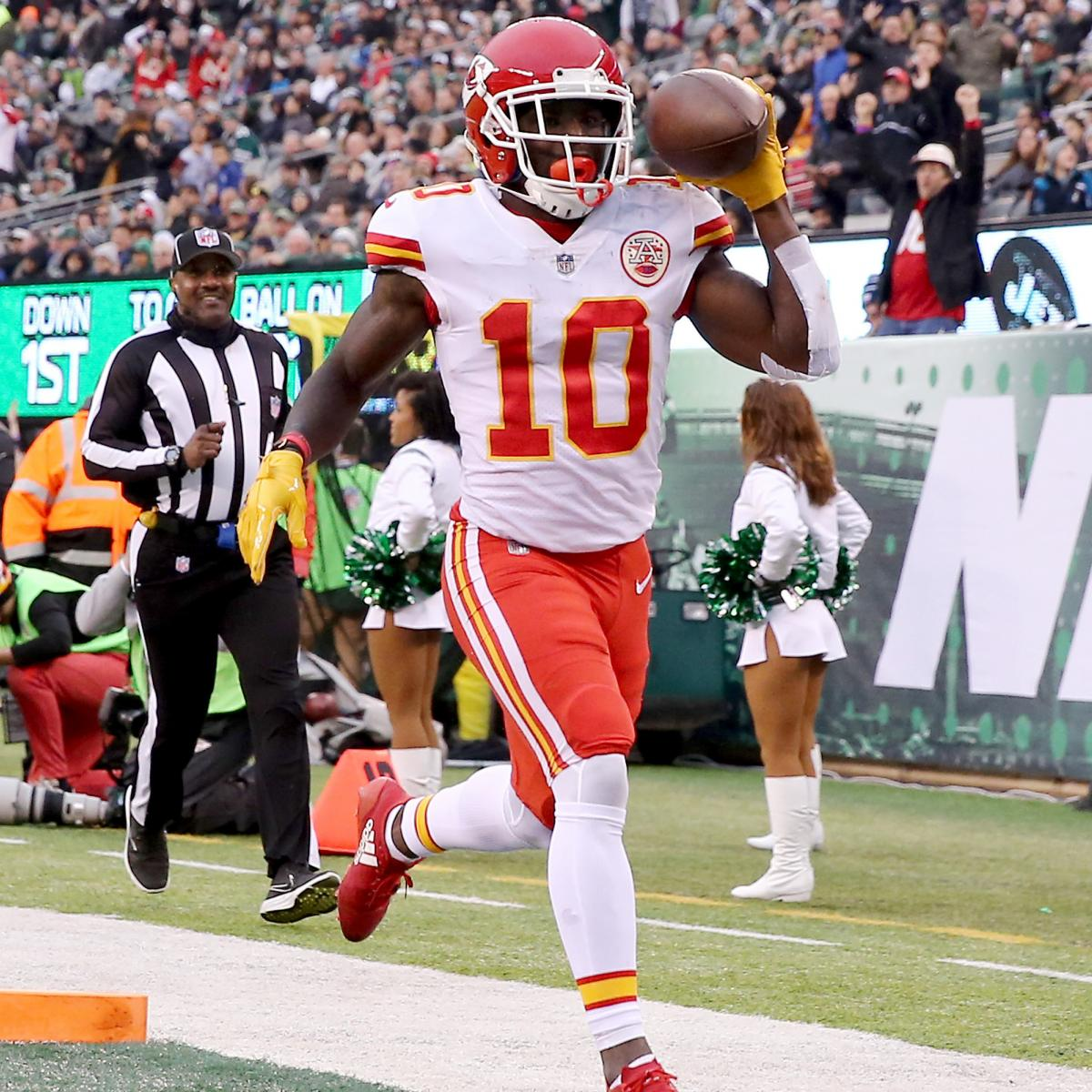 Fantasy Football Week 14: Rankings, Projections and Waiver-Wire Tips