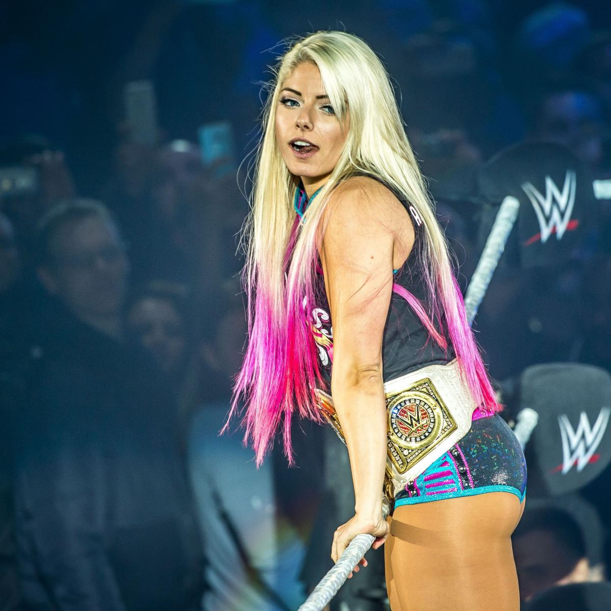 Alexa Bliss Suffers Shoulder Injury at WWE Backlash, to Undergo Further Testing