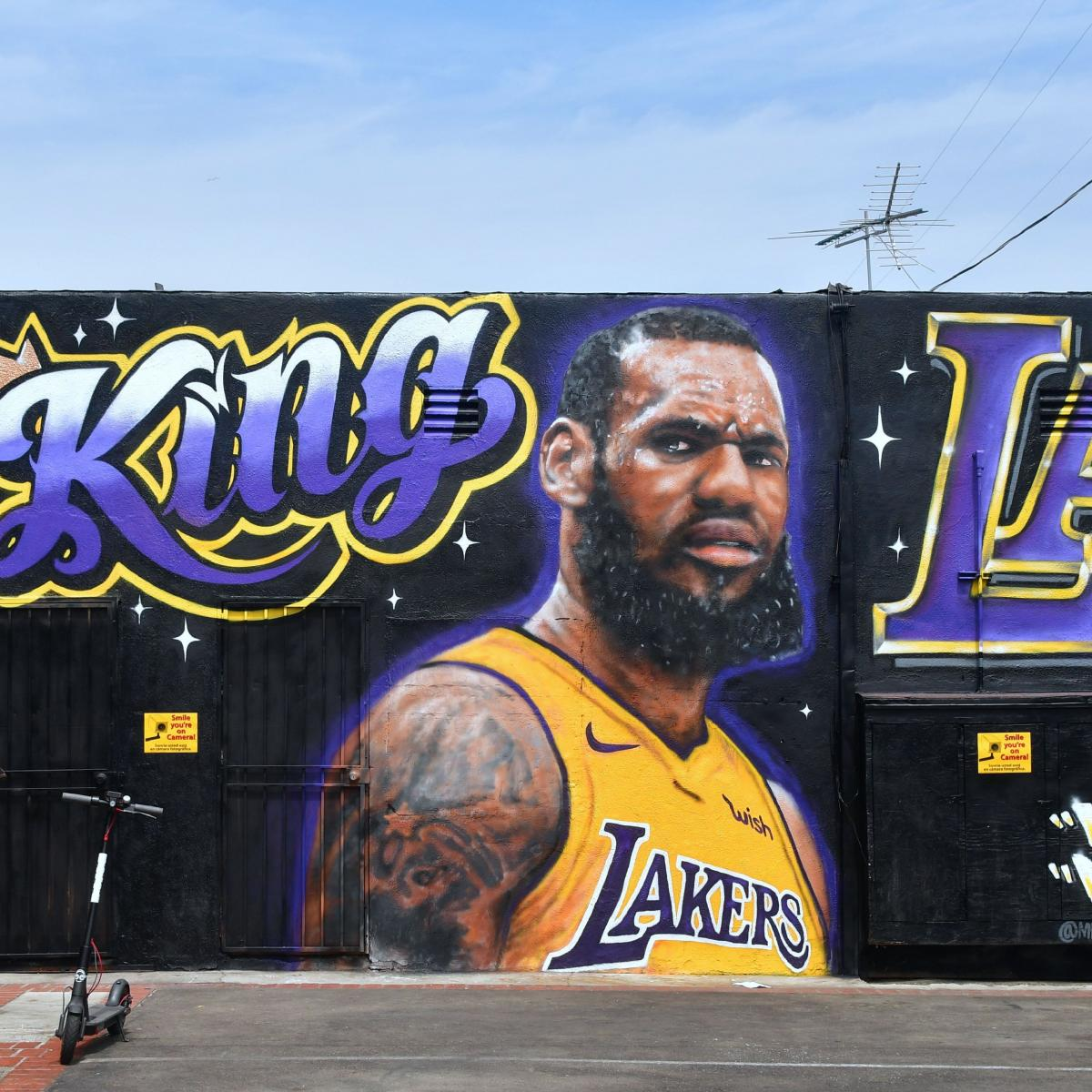 Lakers' LeBron James 'The King of LA' Mural Completely Painted Over