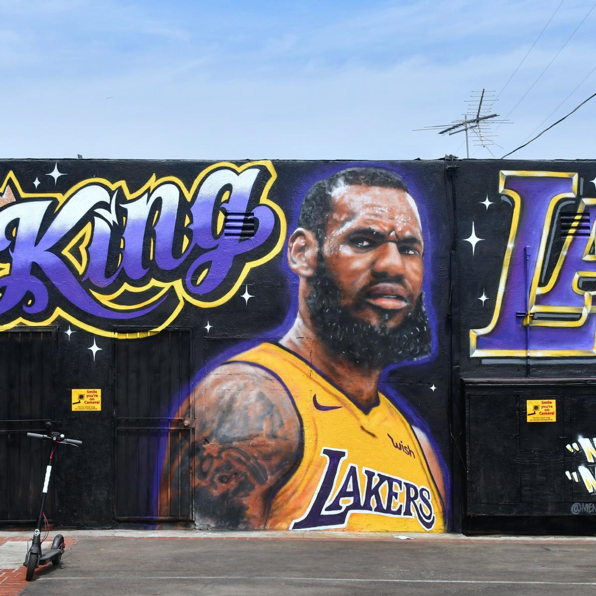 Artist Paints over LeBron's 'King of LA' Mural After Repeated Vandalism