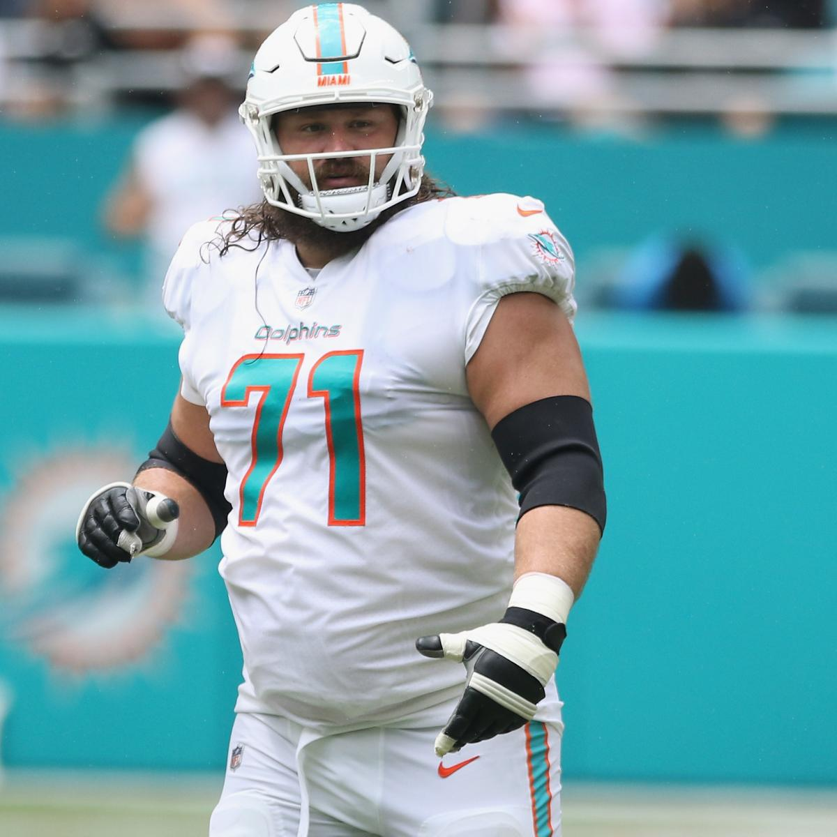 Josh Sitton Out for Season After Shoulder Injury Diagnosed as Torn Rotator Cuff