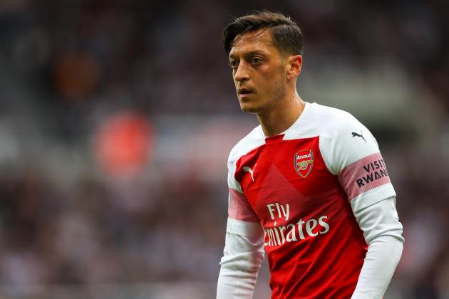 Manchester United Reportedly Prepared to Raid Arsenal for Mesut Ozil in January