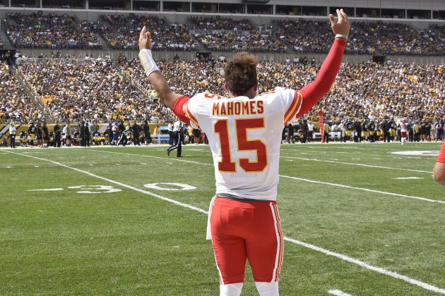 Patrick Mahomes Breaks NFL Record with 10th TD Pass in 1st 2 Weeks