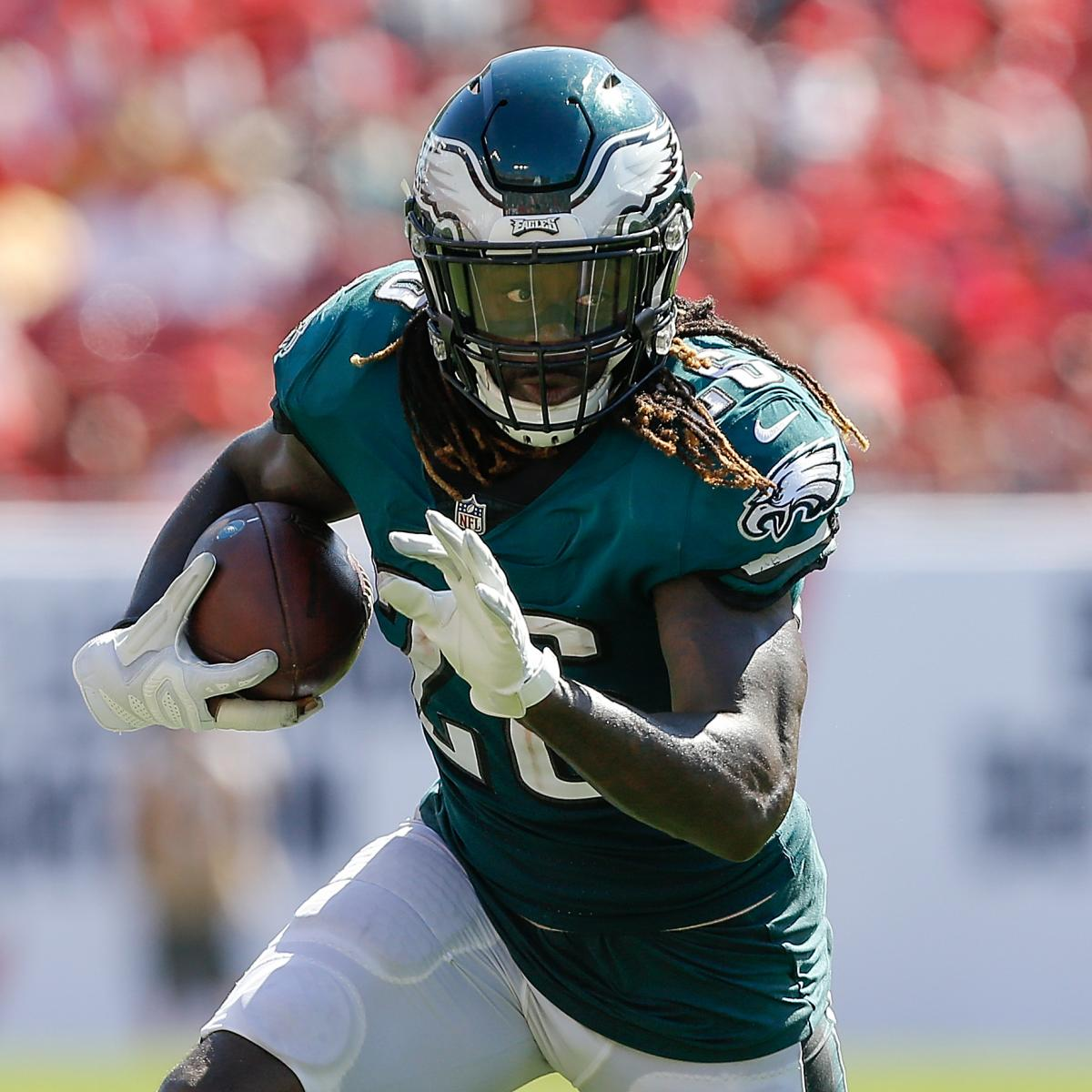 Report: Jay Ajayi Out for the Year After Knee Injury Diagnosed as Torn ACL