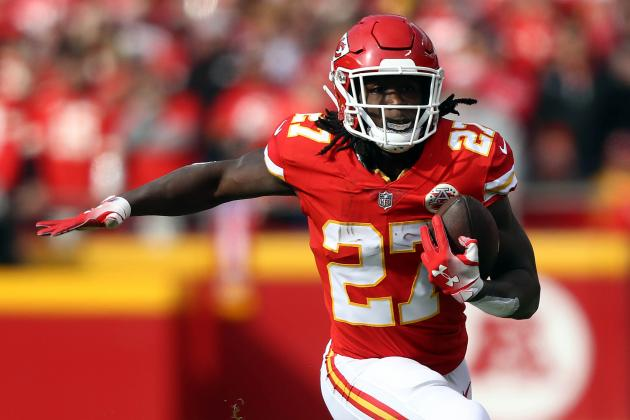 David Njoku 'Comfortable' with Kareem Hunt Signing, Excited About Browns Offense