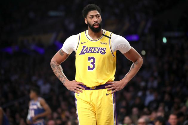 Lakers' Anthony Davis Won't Shy Away from Physicality After Tailbone Injury
