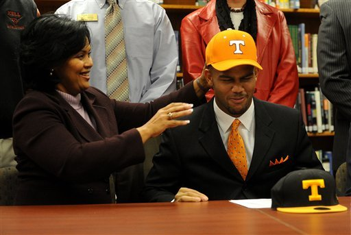 Tennessee Football Recruiting: What Has to Happen Before National Signing Day