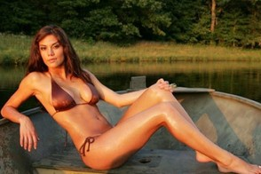 Wes Welker Engaged to Anna Burns: The Hooters Hottie's Best Pics