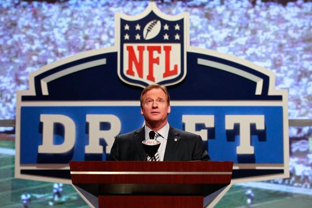 Denver Broncos Mock Draft: Trade Up/Down Scenarios for Every Round
