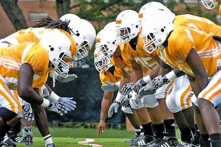 Tennessee Football: Predicting the Two-Deep Depth Chart